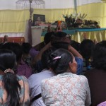 Cremation ceremony in Lombok, last prayers in the house